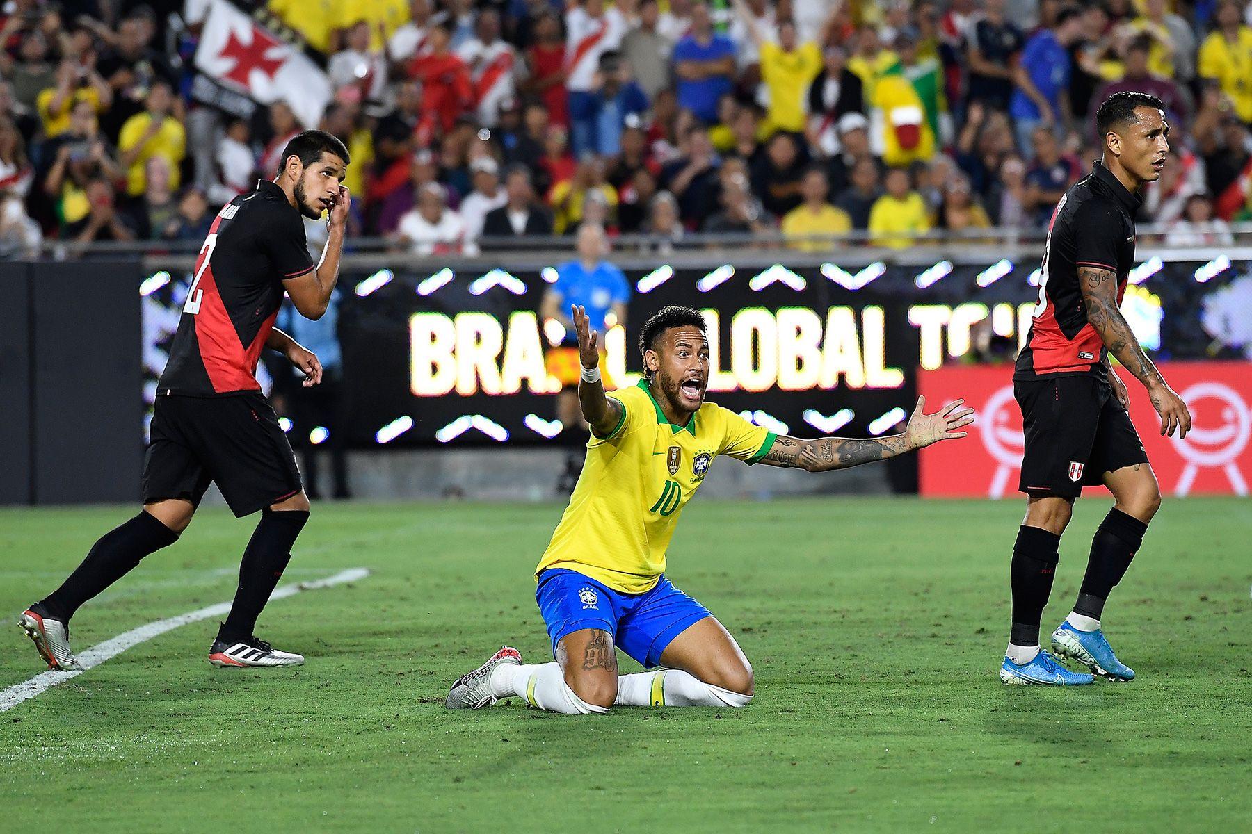 نتيجة بحث الصور عن Brazil 0-1 Peru