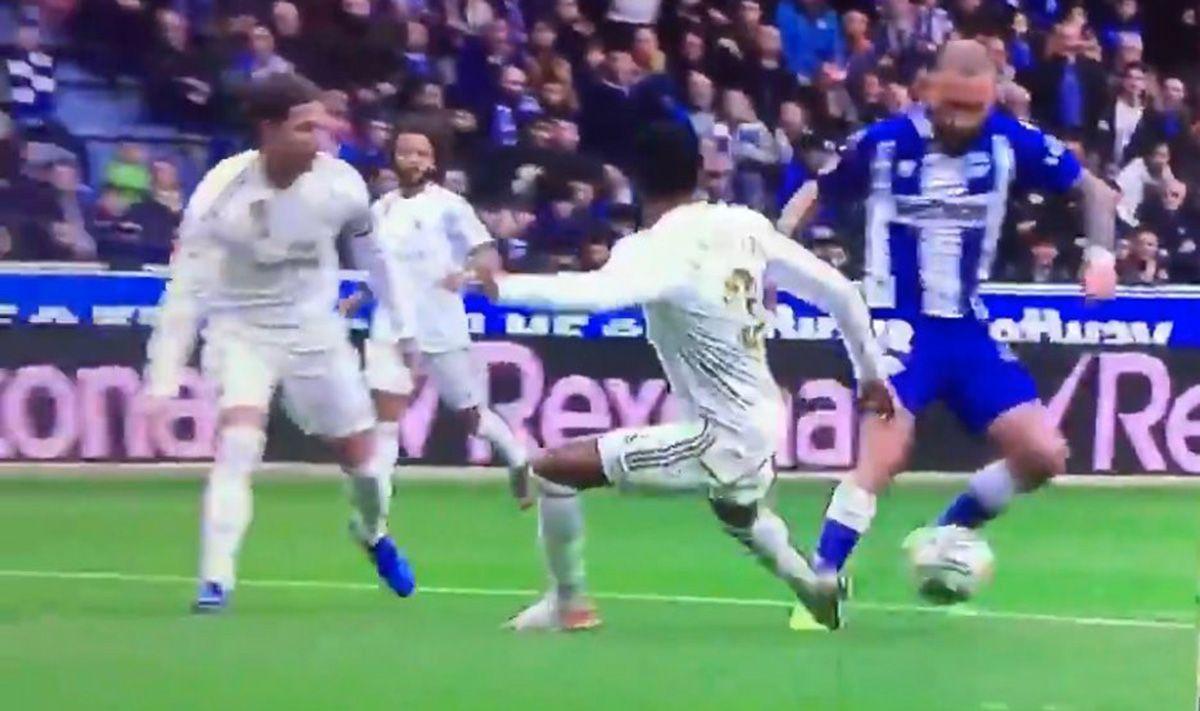 Topic para comentar el enésimo robo del Real Madrid - Página 10 Aleix-vidal-madrid