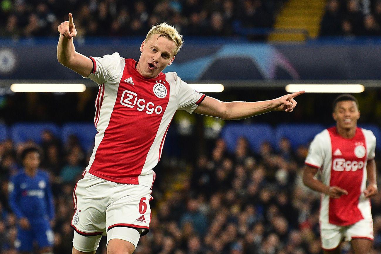 OPORTUNIDAD: ¡El Ajax baja el precio de Van de Beek!