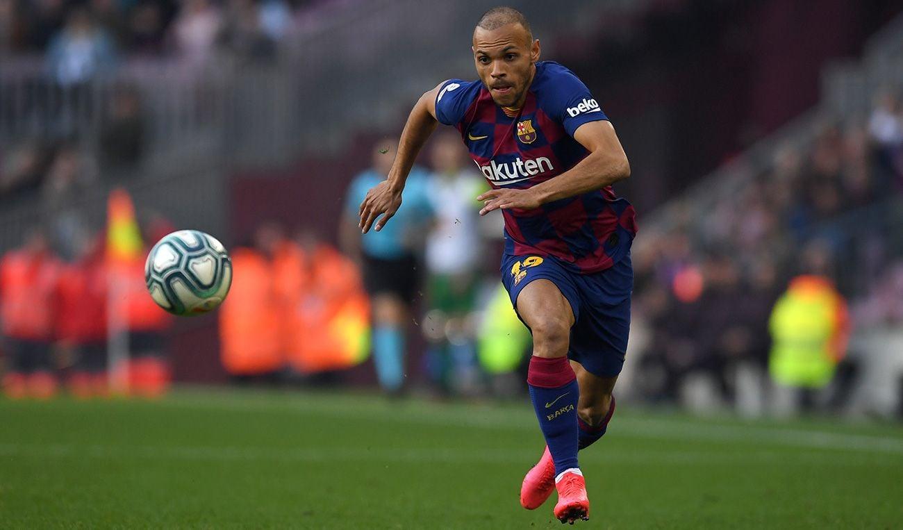 Braithwaite corre a por un balón en su debut con el Barça