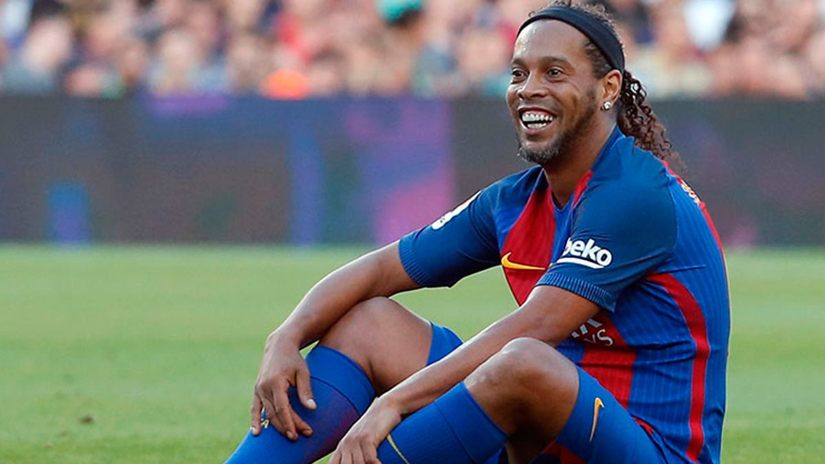 Ronaldinho I Appreciate The Support Barcelona And I Are United Forever