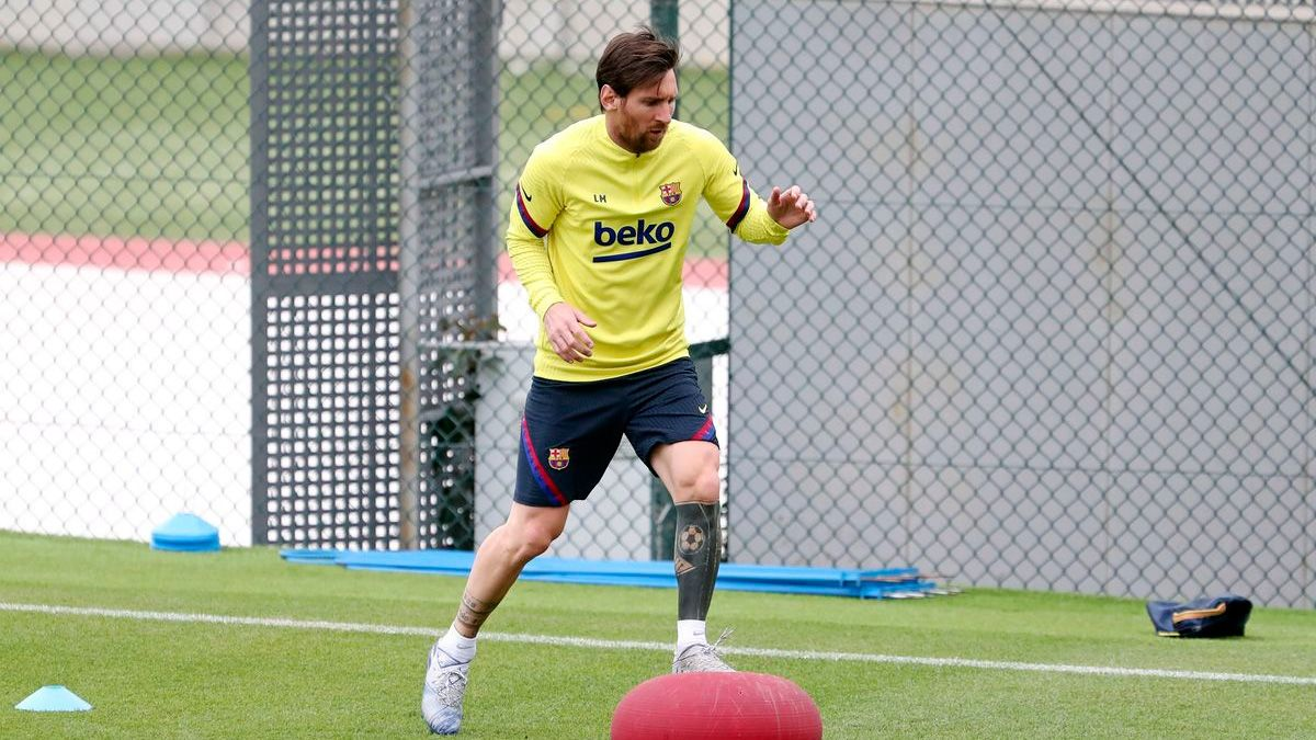 Messi se entrena en solitario pero el Barça no hace salta...