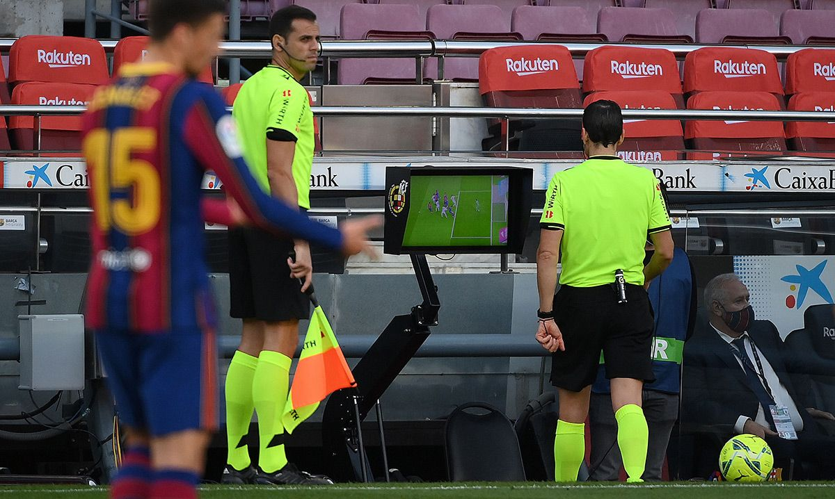 """A director of the Barça, to the referee: """"It's a scandal! Can go you to  crap"""""""