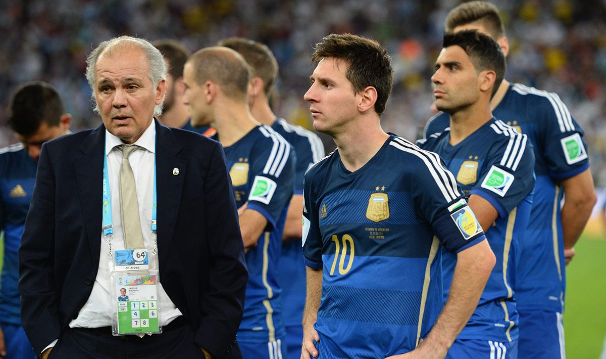 Messi wanted to devote a moving message to Sabella, sadly died