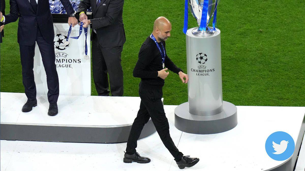 El gesto de Guardiola al recibir la medalla de subcampeón (Video)