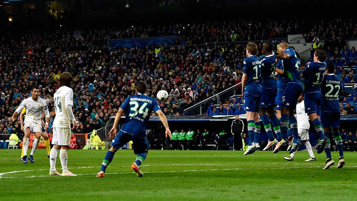 El gol de la remontada del Madrid llegó tras una falta inexistente