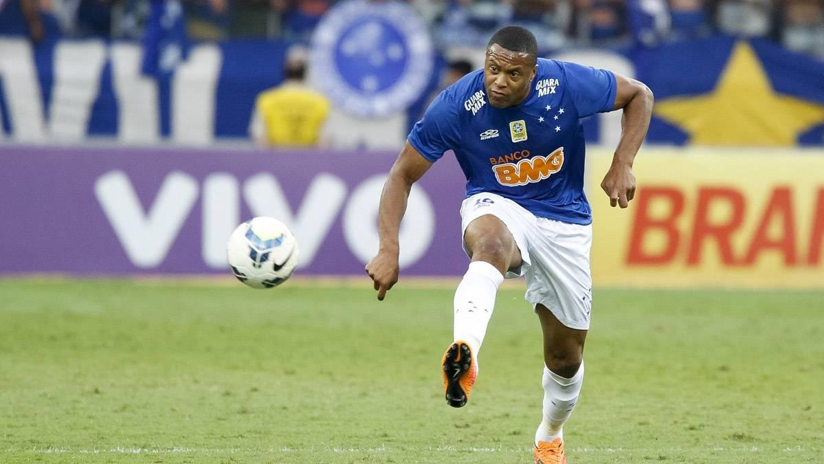 Julio Baptista, en una imagen de archivo de un partido con el Cruzeiro