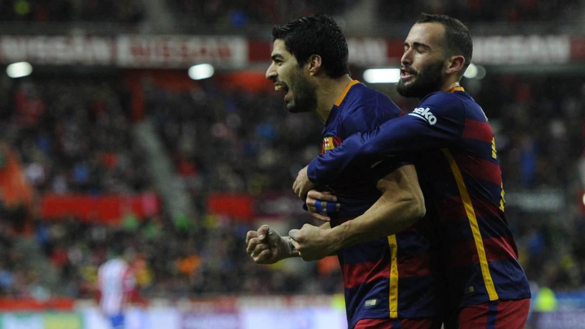 Aleix Vidal, celebrando un gol de Luis Su�rez en El Molin�n