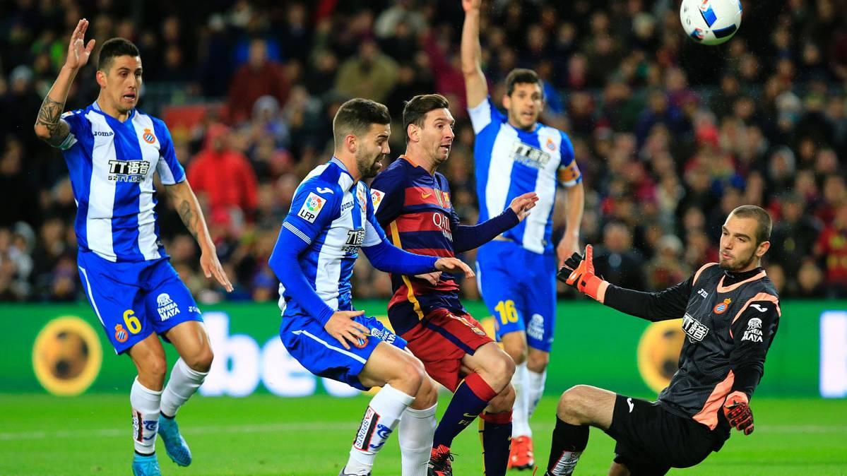 Las palabras de Messi a Pau López en el Barça-Espanyol
