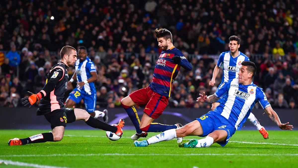 Posible gresca entre Piqué y Burgui tras la rúa del Barça