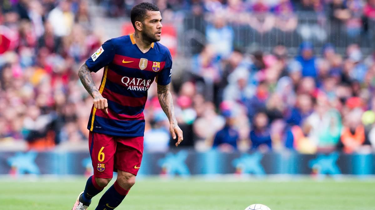 El Barcelona reconoce que Alves puede marcharse gratis