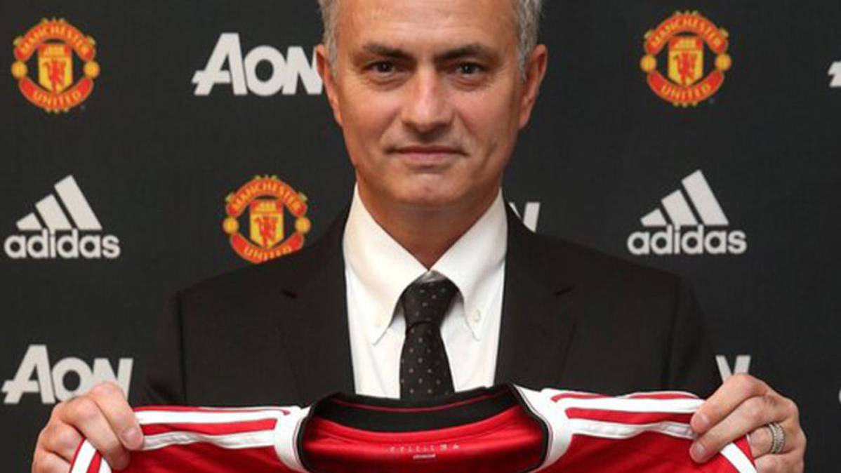 OFICIAL: Mourinho, entrenador del Manchester United