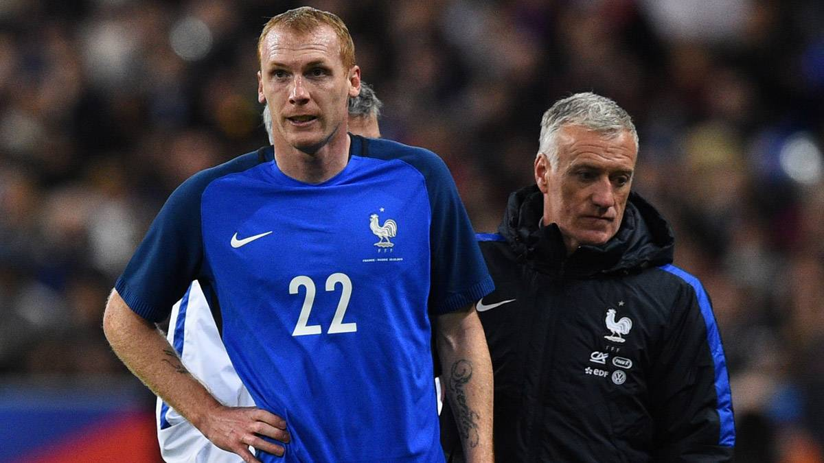 "Informan que Deschamps ""desconvocó"" a Mathieu"