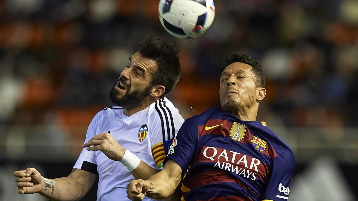 """Adriano defiende: """"En Valencia siempre nos han insultado"""""""
