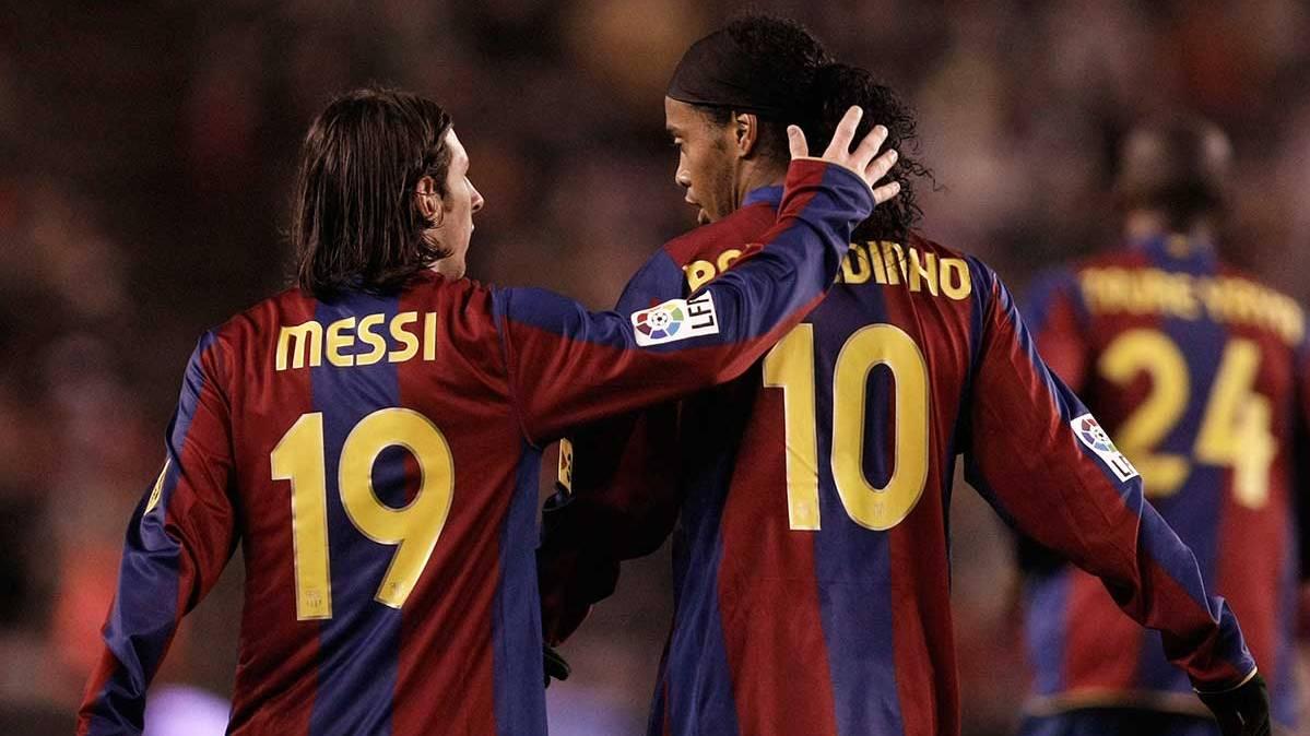 Lo que más lamenta Ronaldinho es no haber jugado más con Messi