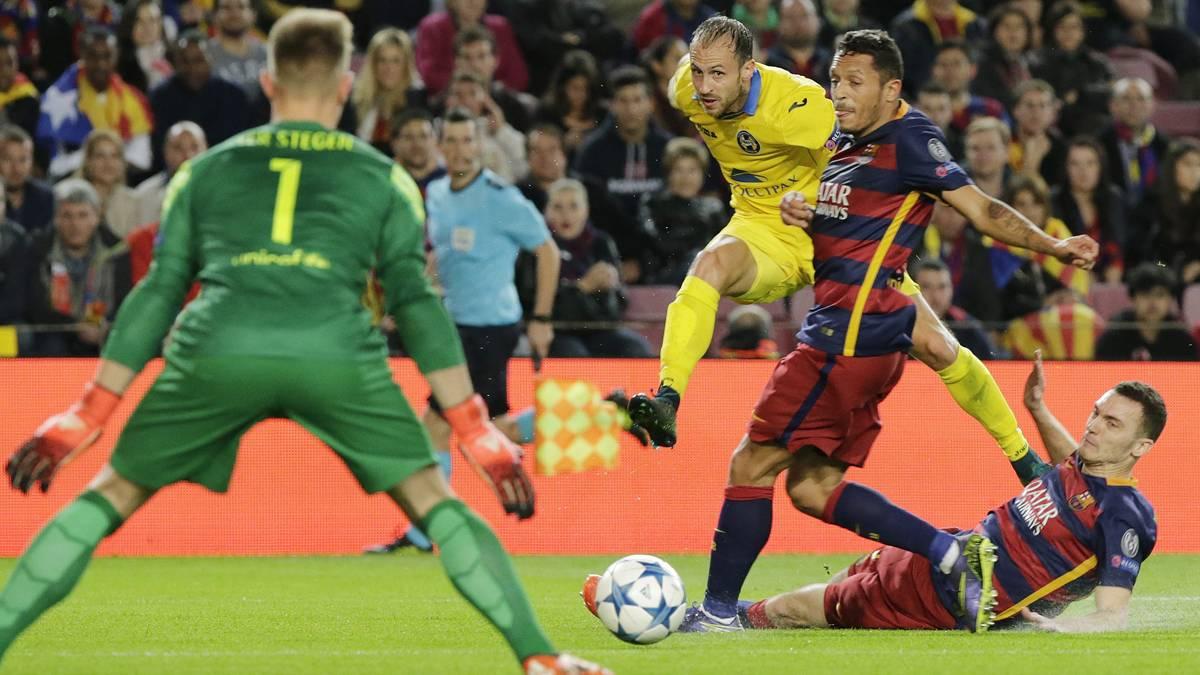 El FC Barcelona cobrará dinero por Adriano y Vermaelen
