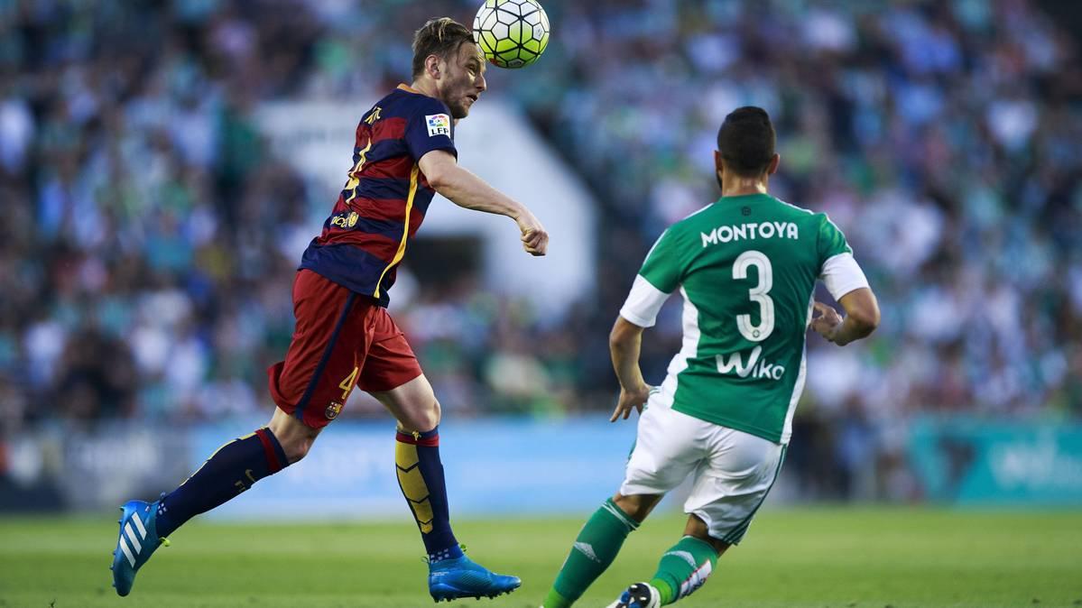 Mart�n Montoya, a un paso de fichar por el Valencia