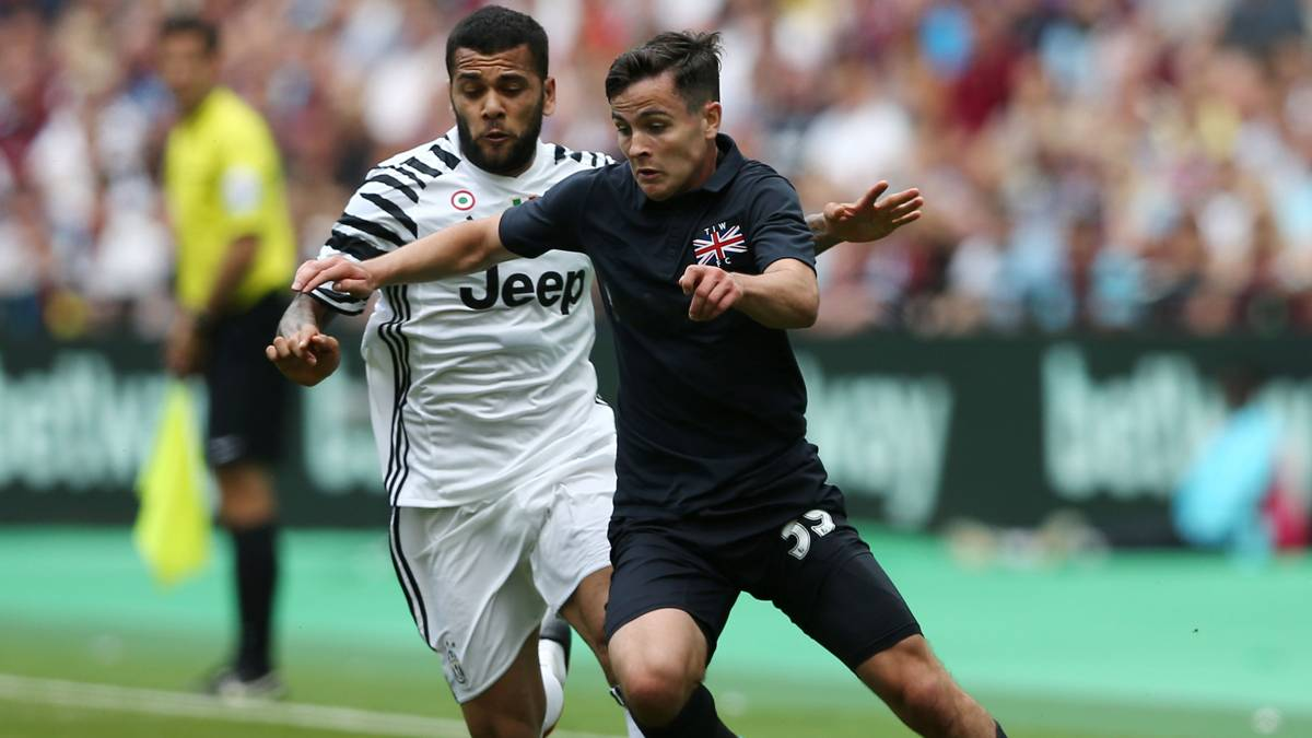 "<span class=""blue"">INTEGRADO:</span> Alves deslumbra en el debut con la Juventus"