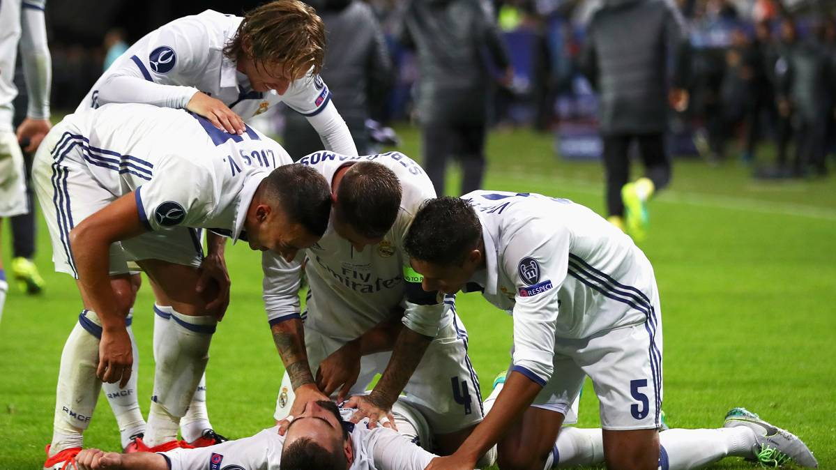 Un gol agónico de Carvajal da la Supercopa al Madrid (3-2)