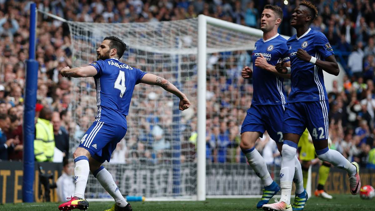 BOMBA: El Chelsea ofrece a Cesc a un gran club de Europa