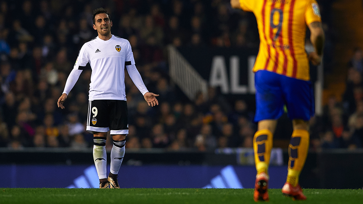 Revelan la oferta del FC Barcelona al Valencia por Alcácer
