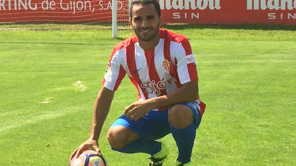 ¡Douglas se cae hasta de la lista de convocados del Sporting!