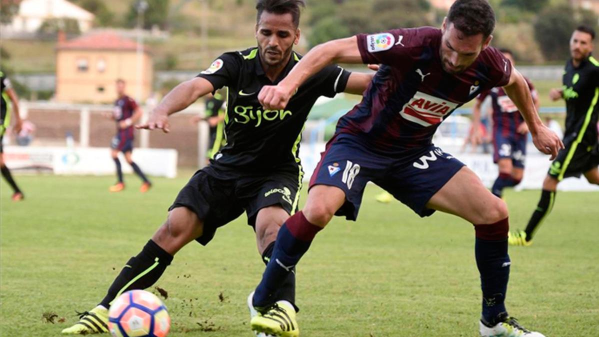 El Cruzeiro insiste en llevarse a Douglas Pereira