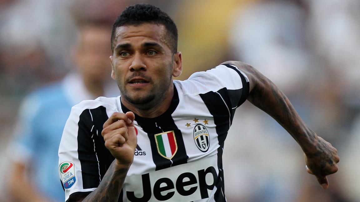 Alves, en el banquillo por primera vez en la Juventus