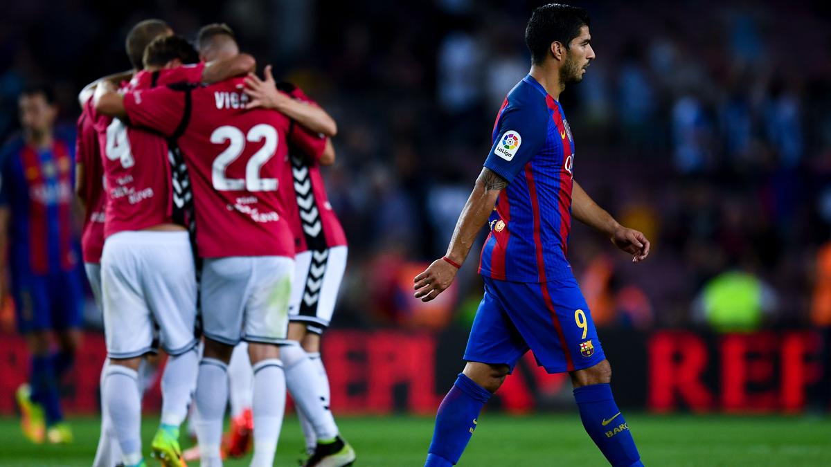 V�deo Resumen: FC Barcelona 1 Alav�s 2 (Liga J3)