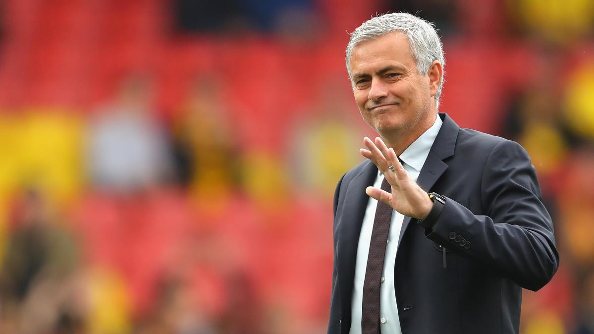 """Mourinho volvi� a la versi�n m�s """"llorona"""" atizando al �rbitro"""
