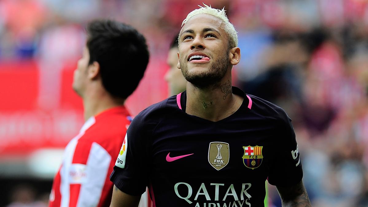 """Doblete"" de Neymar Jr para disfrazarse de Leo Messi"