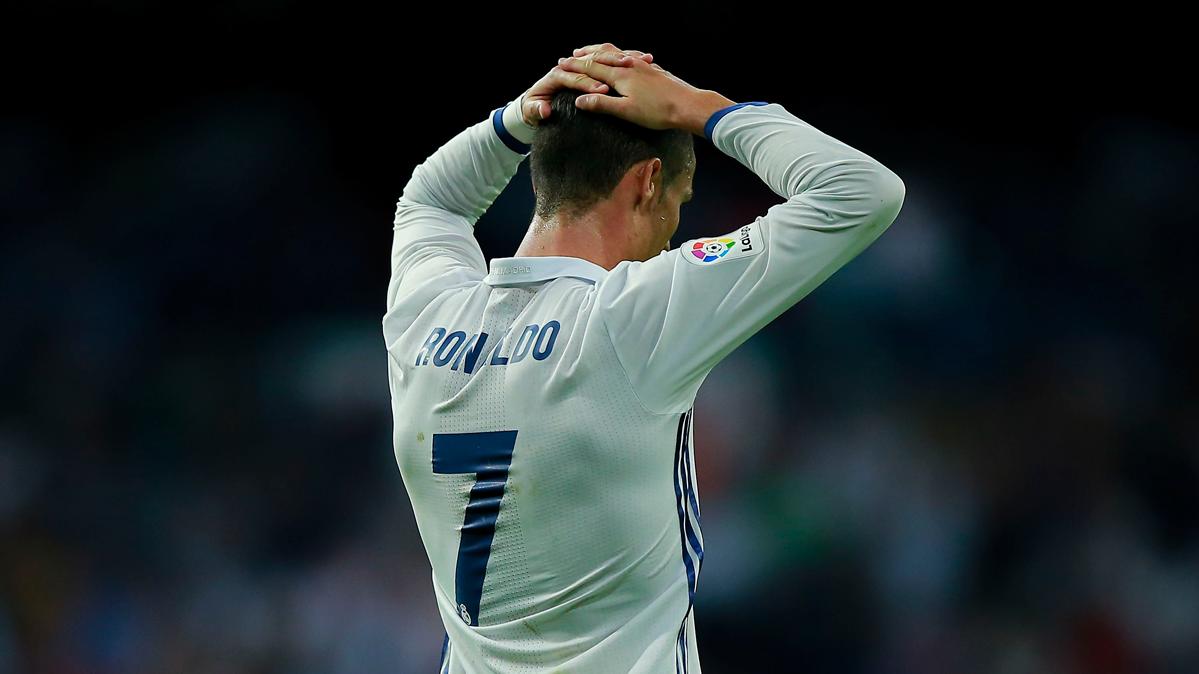 La afici�n del Madrid abandona a Cristiano y apoya a Zidane