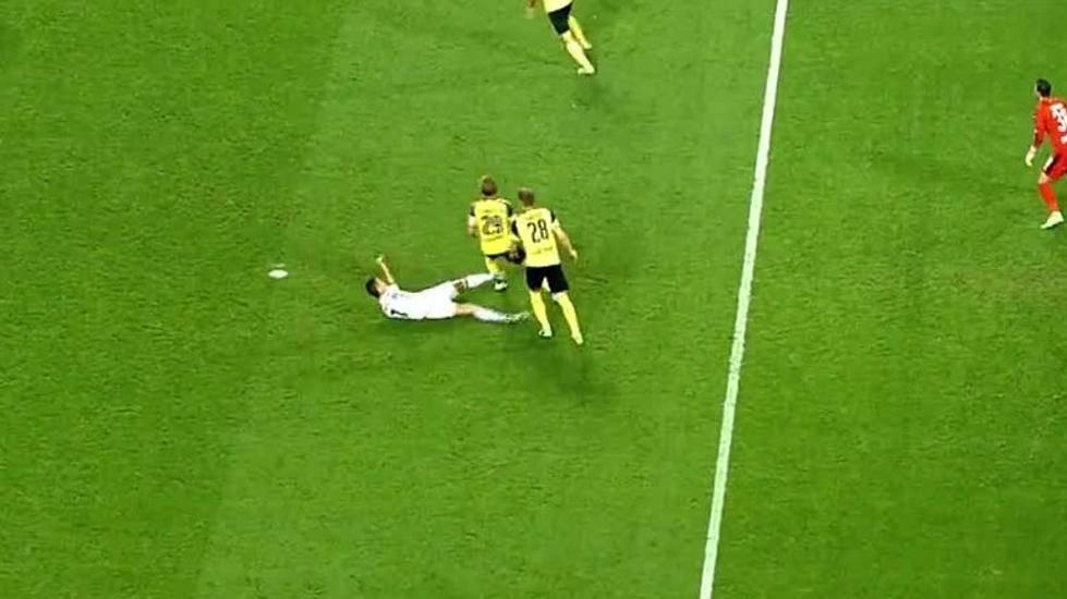 "<span class=""red"">IMPUNE:</span> �Patada de Cristiano a un jugador del Dortmund!"
