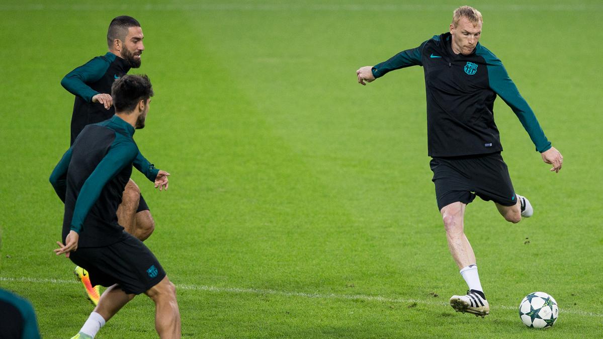 """Deschamps defiende a Mathieu: """"No está acabado"""""""