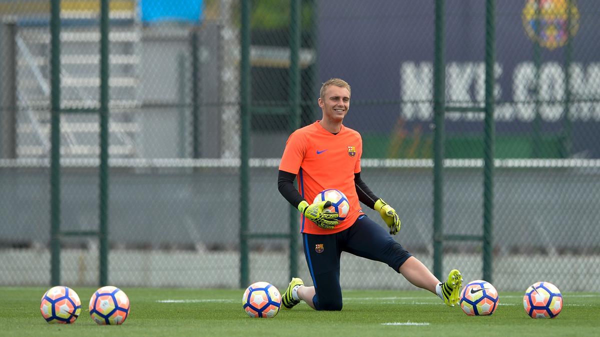 Preocupación en el Barcelona por la lesión de Cillessen