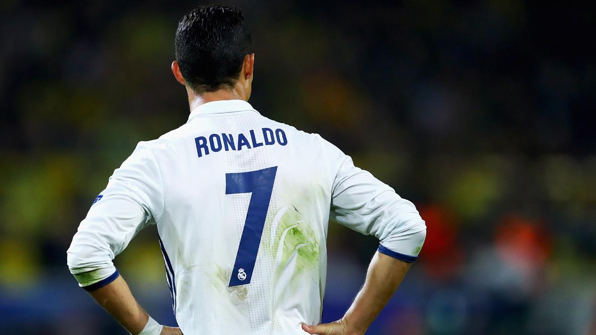 """Cristiano Ronaldo sigue con su """"problem�n"""" cara a puerta"""