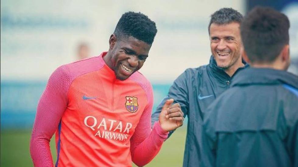 Explican que Luis Enrique felicitó a Samuel Umtiti ante el Sevilla