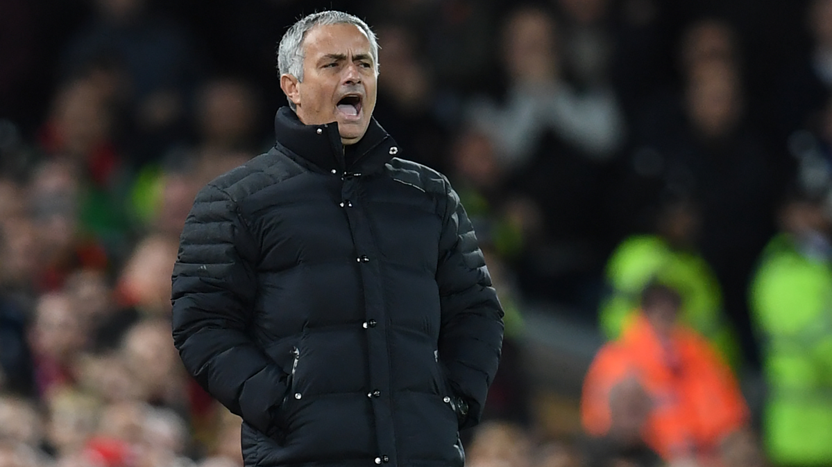 POL�MICA: �Mourinho vuelve a hacer gala de su mal perder!