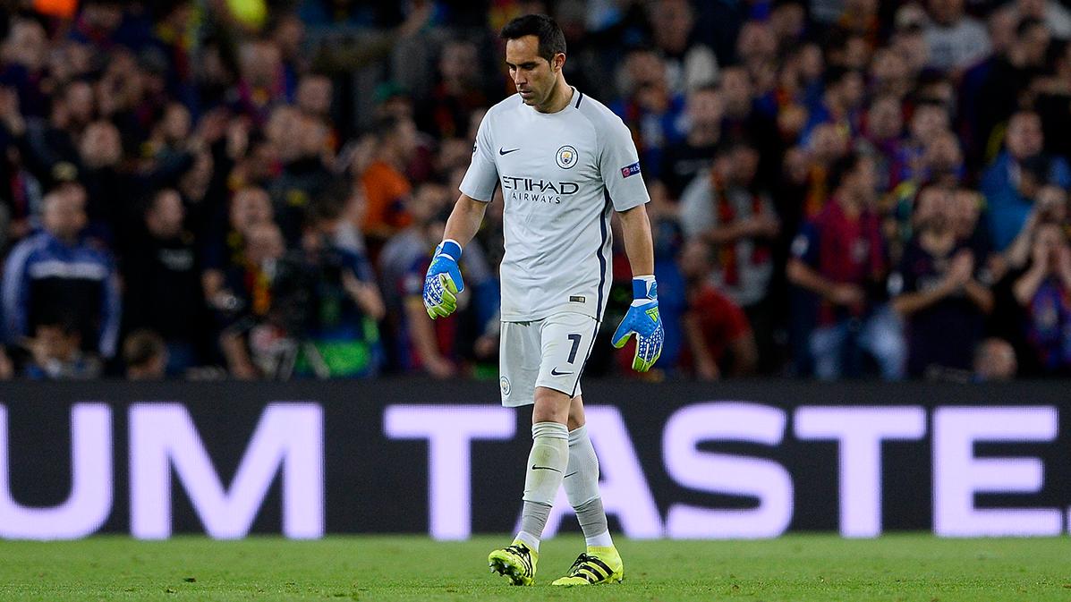 """Claudio Bravo la """"lio"""" y dej� al Manchester City con diez"""
