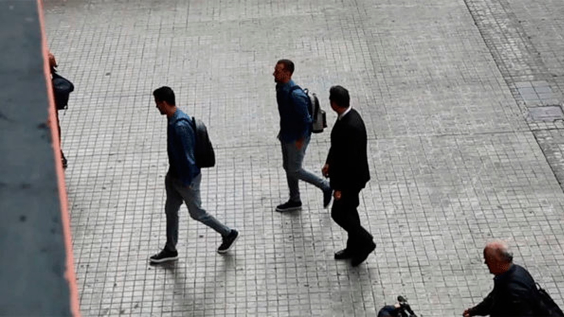 El duro recibimiento de Paco Alc�cer en Mestalla