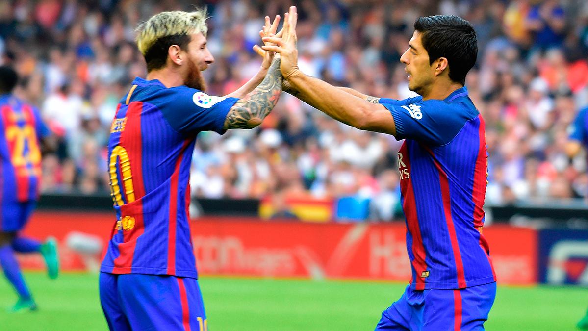 "El astro Leo Messi atrap� al ""Pichichi"" Luis Su�rez"