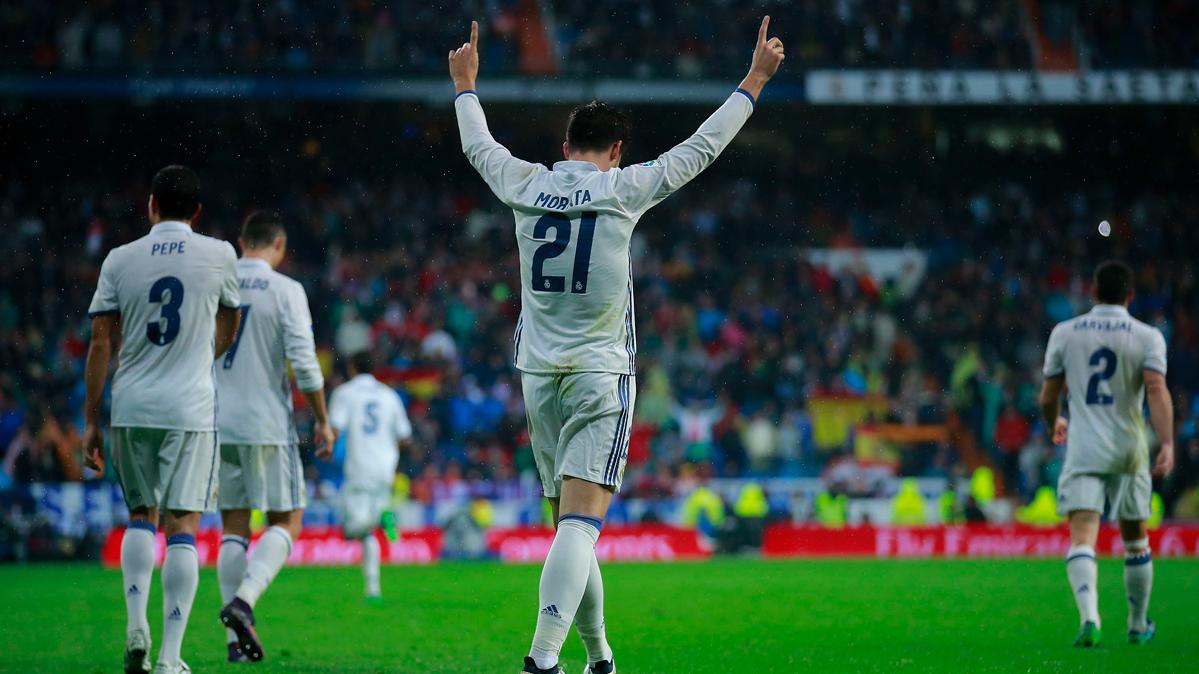 El Real Madrid recupera el liderato de Liga de forma agónica