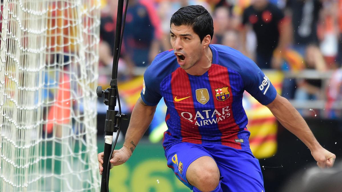 La megaoferta del Manchester United de Mourinho por Suárez