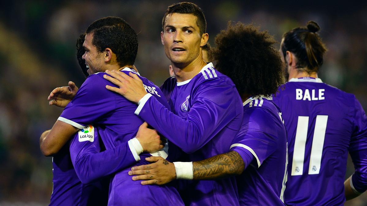 BOMBA: �El vestuario del Madrid se rebela contra Cristiano!