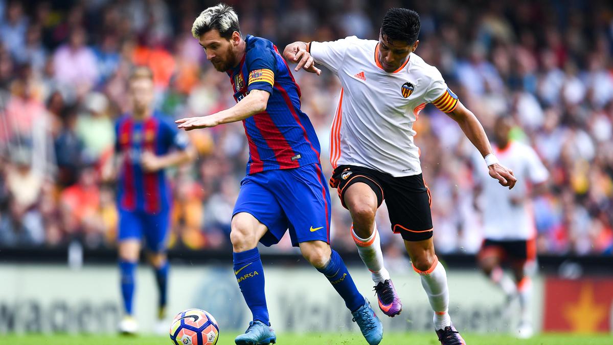 El primer gol de Messi al Valencia fue legal y no fuera de juego
