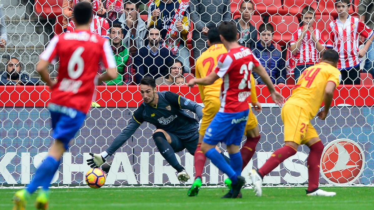 El Sevilla baja el listón y el Barça, con una oportunidad de oro