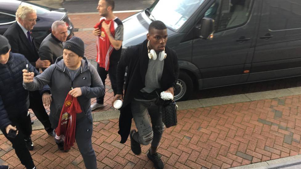 Paul Pogba y el Barça se encuentran en el mismo hotel