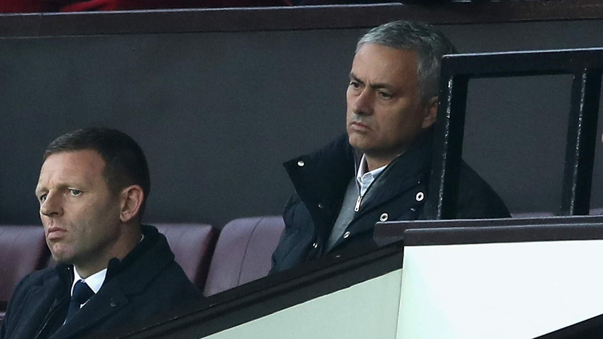 Mourinho no se perdió ni un detalle del City-Barcelona
