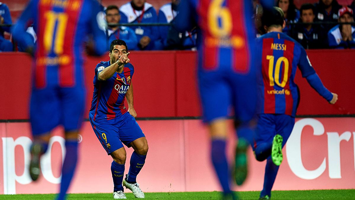 La afición del Sevilla insultó a Luis Suárez y LaLiga lo denuncia