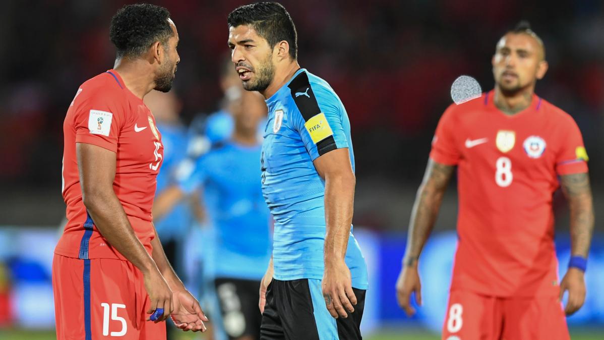 Luis Suárez no pudo evitar la derrota de Uruguay ante Chile
